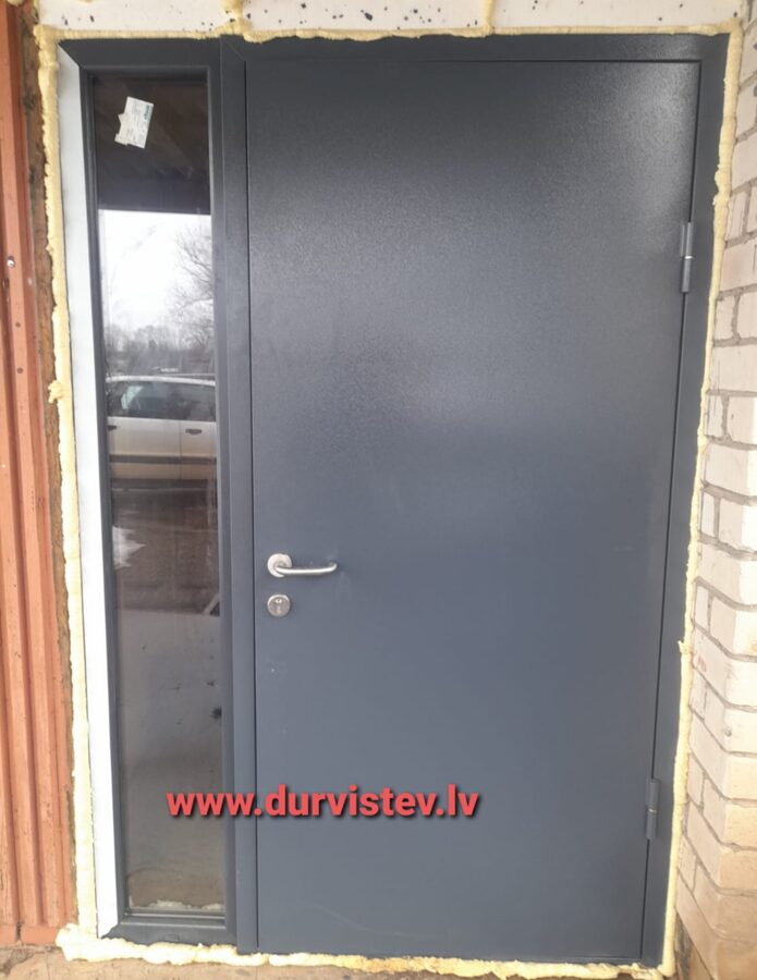 divviru durvis ārdurvis