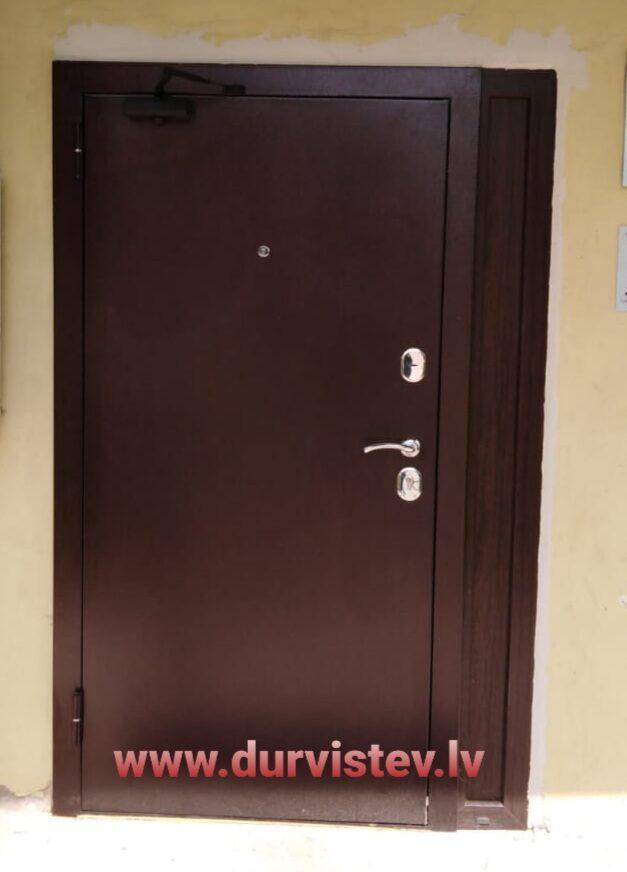 divviru durvis ārdurvs