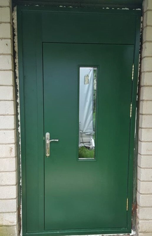 koka durvis ārdurvis mājai dzīvoklim