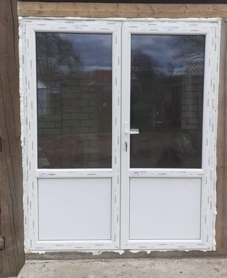 PVC divviru durvis